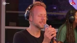 Diggy Dex - 'De Zon Op' live bij Rabbering Laat