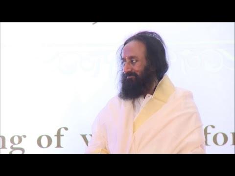 Mind Full, or Mindful? With Gurudev Sri Sri Ravi Shankar from Kochi, Kerala