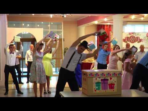 Оригинальное поздравление на свадьбу от родственников - Ржачные видео приколы