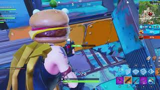 FORTNITE FOOD FIGHT! Pizza or Burger?