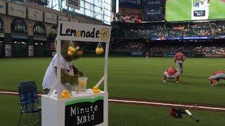 LAA@HOU: Astros mascot Orbit gets soaked with lemonade from Pujols