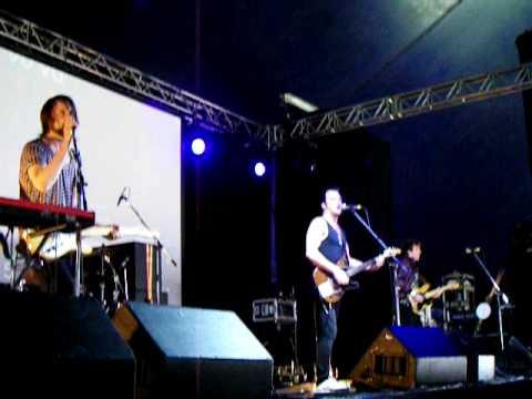 Expatriate - Play A Part [live 8.12.07]