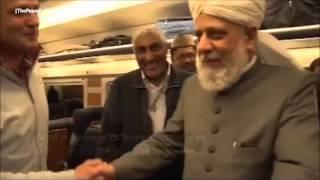 Ex-RealMadrid Spieler trifft den Ahmadiyya Khalifen des Islams
