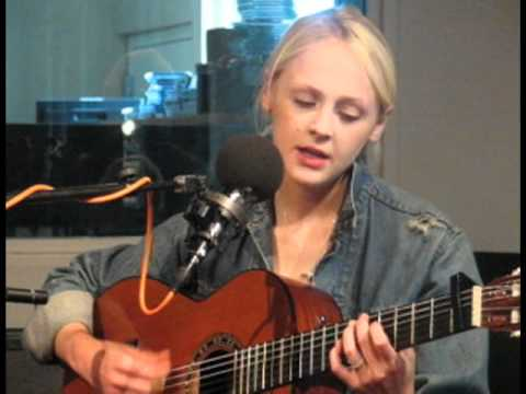 """Laura Marling """"I Was Just a Card"""" on WNYC's Spinning On Air"""