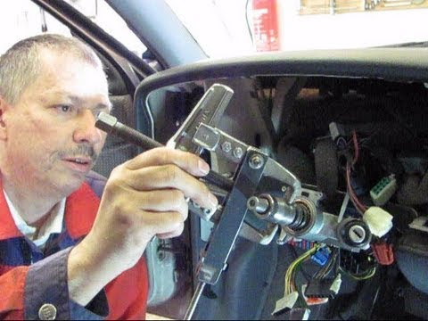 How to replace the battery in the ignition key for VW Passat B5
