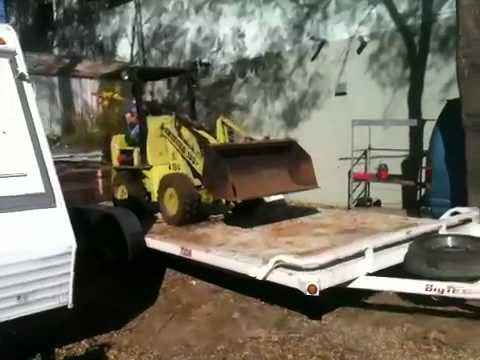 Dynamic swinger wheel loader