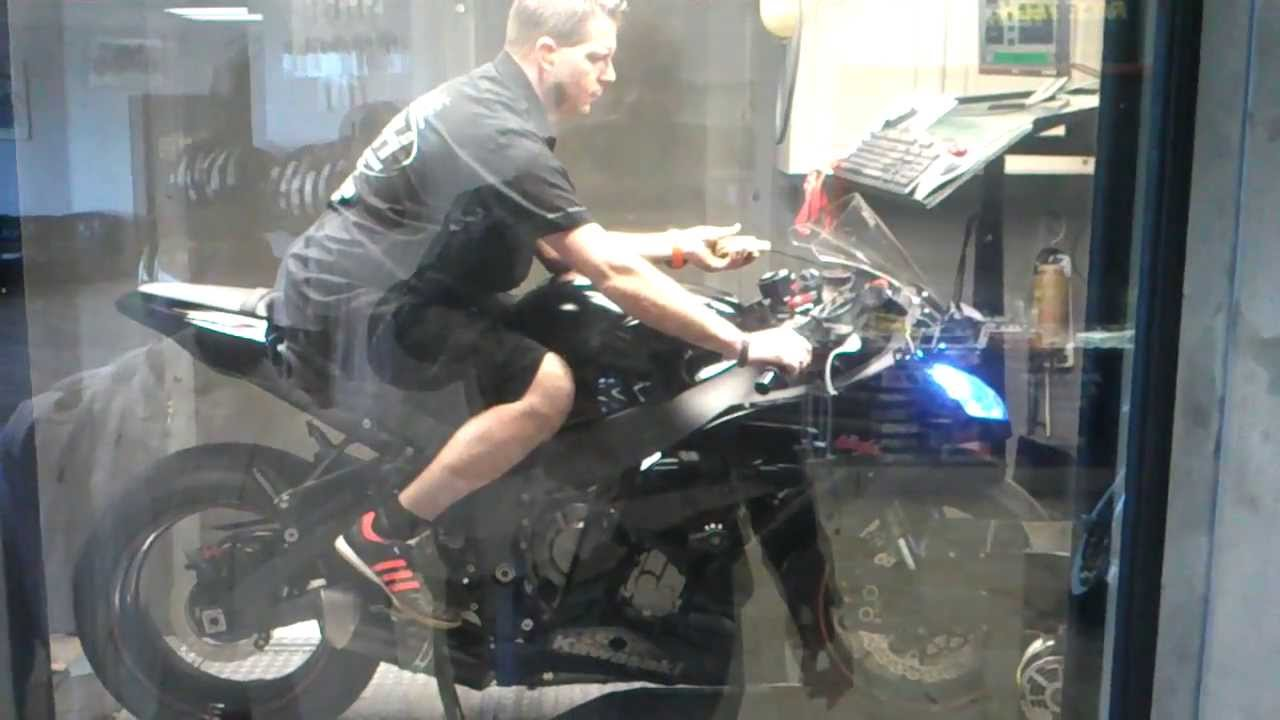 2011 Kawasaki ZX10R Dyno's 195HP with Race CAMS