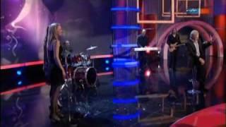 Gojko Mitic singt