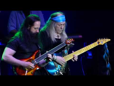 G3 - Joe Satriani / John Petrucci / Uli Roth - All Along The Watchtower - 31/3/2018 - Groningen