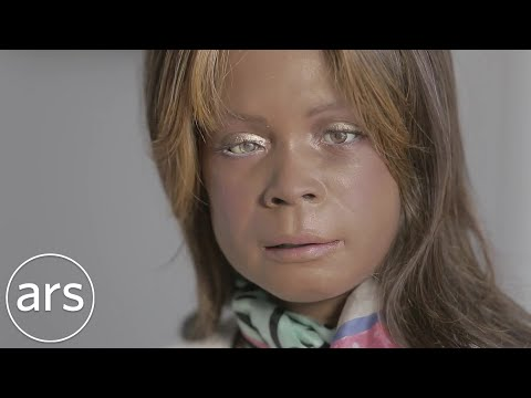 Bina48 Robot Talks To Siri