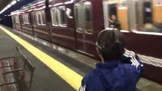 いつも発車する電車に敬礼をする息子 ( ̄^ ̄)ゞ 心優しい車掌さんが敬礼...