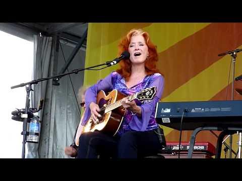 Bonnie Raitt - Women Be Wise - Live at Jazzfest New Orleans 2009