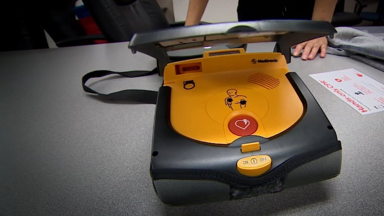 How To Use A Defibrillator Aed You