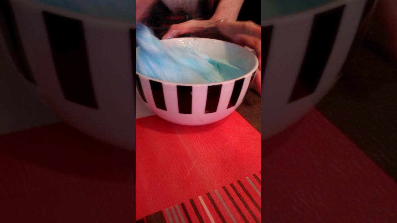 comment faire du slime avec de la colle et de la lessive youtube. Black Bedroom Furniture Sets. Home Design Ideas