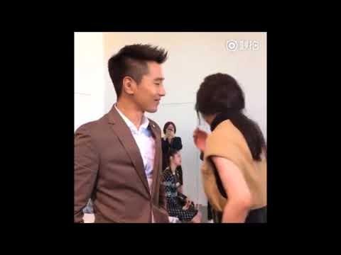 "Lol【NY Fashion Show】""Eternal Love"" Couple Yang Mi & Mark Chao"