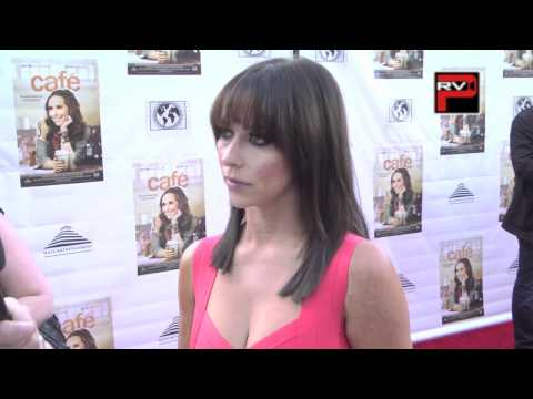 Jennifer Love Hewitt interview at Cafe Premiere thumbnail