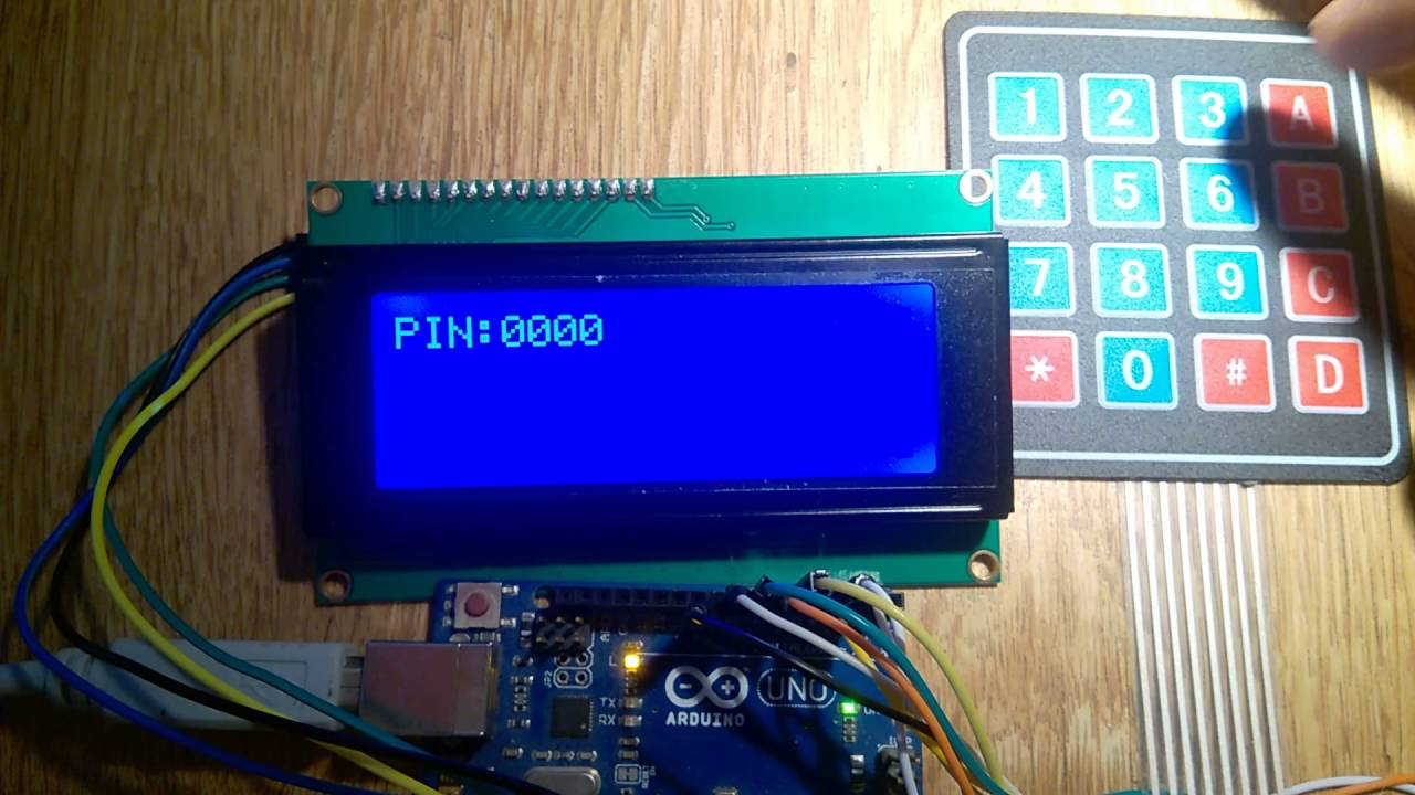 A PIN application with an arduino and an 20x4 lcd display