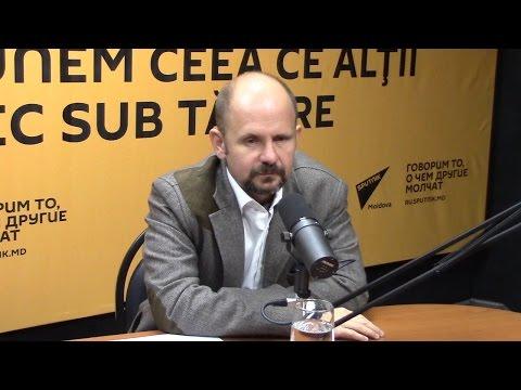 Bogdan Radu Herzog în studioul radio Sputnik Moldova