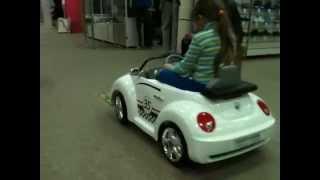 Электромобиль Jetem Beetle с пультом ду(Детский интернет магазин http://kpoxa74.ru Цвета: Белый, Красный, Черный Красивый электроавтомобиль для Вашего..., 2013-04-14T17:32:35.000Z)
