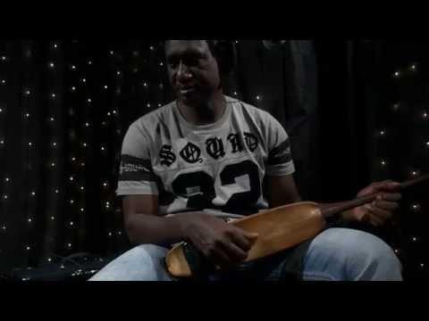 Bassekou Kouyate & Ngoni Ba - Musow Fanga (Live on KEXP)