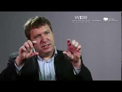 How MOOCs evolve the role of teachers - George Siemens