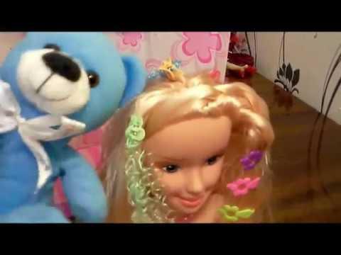 13. Диана от мишки получила подарок Куклу манекен для создания причесок с аксессуарами в коробке