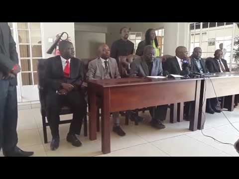 Morgan Tsvangirai and Welshman Ncube sign MOU