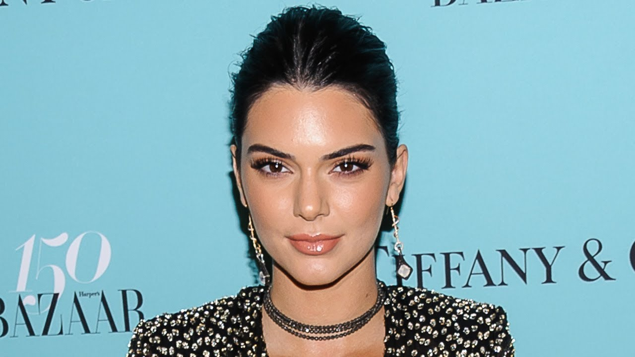 Kendall Jenner Accused of Plastic Surgery for Her Very Strange' Face in ThisSelfie