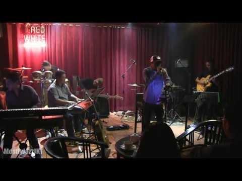 Glenn Fredly Tribute To Christ Kayhatu - Tersiksa Lagi @ Mostly Jazz 26/06/14 [HD]