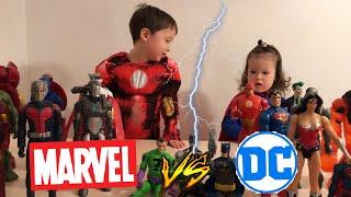 Фигуры Marvel против DC/Дети в костюмах супергероев iron man supergirl делят мстители Avengers vs dc