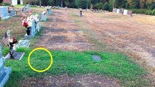 Mutter konnte nicht verstehen, warum das Gras auf dem Grab ihres Sohnes grün wurde!