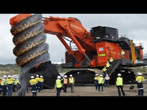 The Most Dangerous Excavators In The World. See How It Works.