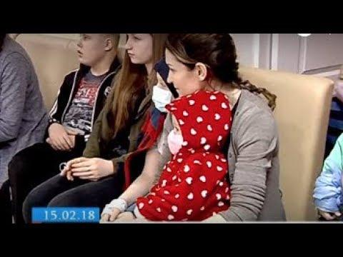 ТРК ВіККА: До Дня онкохворих дітей волонтери презентували черкаській малечі виставу й подарунки