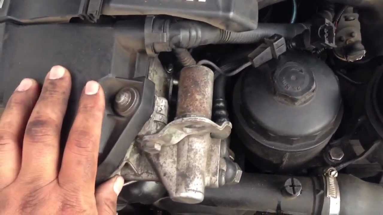 HOW TO Remove Camshaft Sensor & Solenoid Switch 97-03 BMW 5-SERIES E39 528I 540I M5 M52 - YouTube
