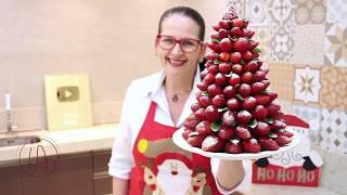 Árvore De Natal Feita Com Morangos