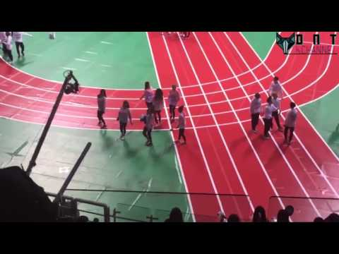 TWICE Dancing To Windy Day (Oh My Girl) At ISAC 2017