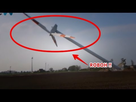 WOW !!! Kumpulan 5 Turbin Angin Roboh, Bisa Mati Lampu Sekota