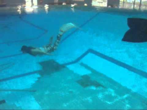 Mermaidens - Melbourne's REAL swimming mermaids