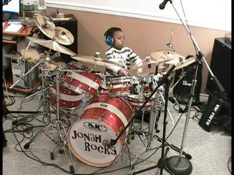 pemain drum rock anak anak sangat luar biasa