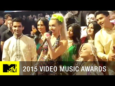 Miley Cyrus's Epic Behind The Scenes VMA Selfie | MTV