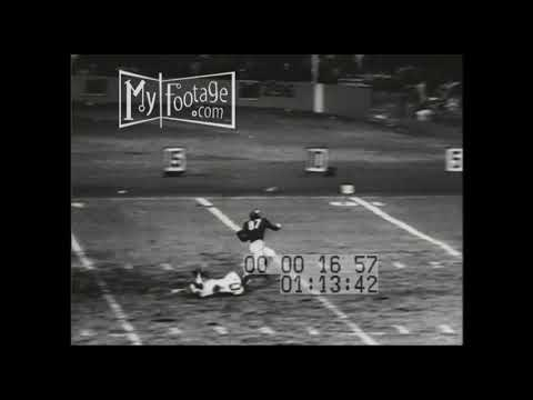 1956 NFL: Chicago Bears at New York Giants  17-17
