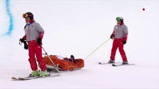 JO 2018 : Snowboard - Halp-pipe. Le japonnais Yuto Totsuka est évacué sur civière après une chute.