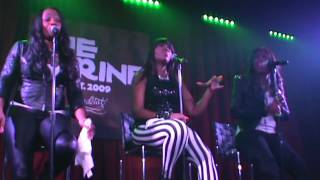 SWV!! Use Your Heart Live On Pluggin!! At The Shrine Chicago!!