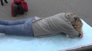 Blonde Woman Manhattan Street Massage - 1374(Luo Dong Blonde Woman Manhattan Street Massage - 1374 Subscribe for more!, 2016-02-26T03:18:00.000Z)