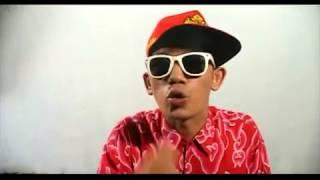 hiphop jawa - CICAK NGUNTAL BOYO by Jogja Hip Hop Foundation