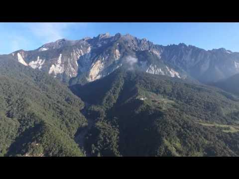 Kaki Gunung Kinabalu di Kundasang Sabah