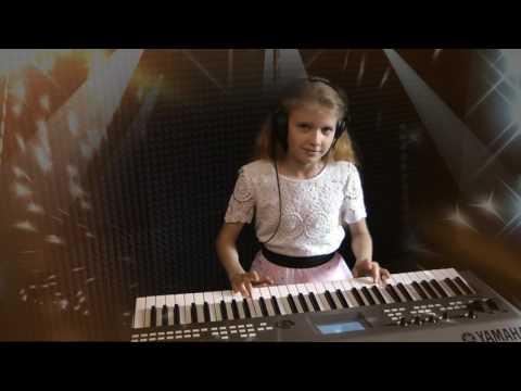 Смотреть клип МАРИЯ кавер Je veux (ZAZ)  ES MUSIC STUDIO (клип) онлайн бесплатно в качестве