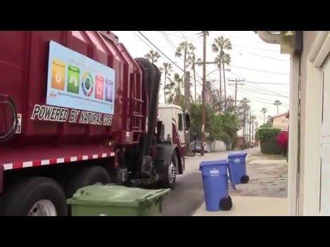 Universal Waste Systems - Mack LEU CNG Amrep Octo ASL (320)