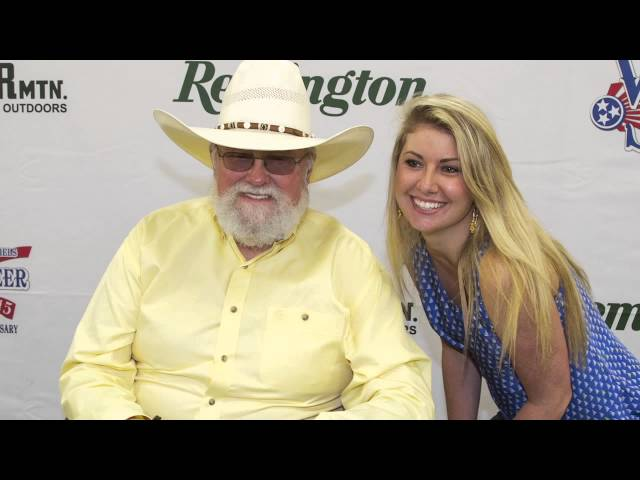 Charlie Daniels at Gander Mountain with Remington!