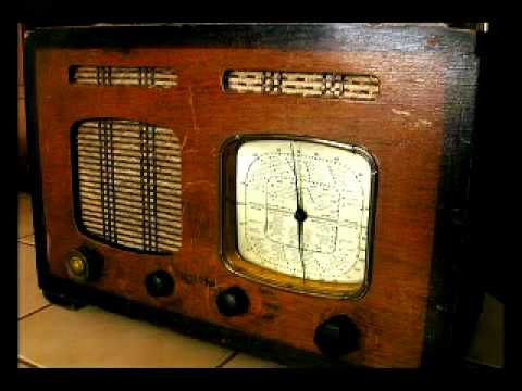 """TRT Radyo - """"Tanıdınız mı?"""" program konuğu Zeki Müren (1965)"""